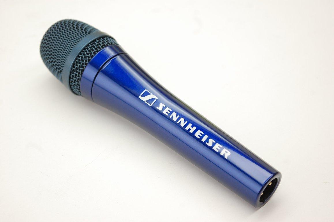 mic106