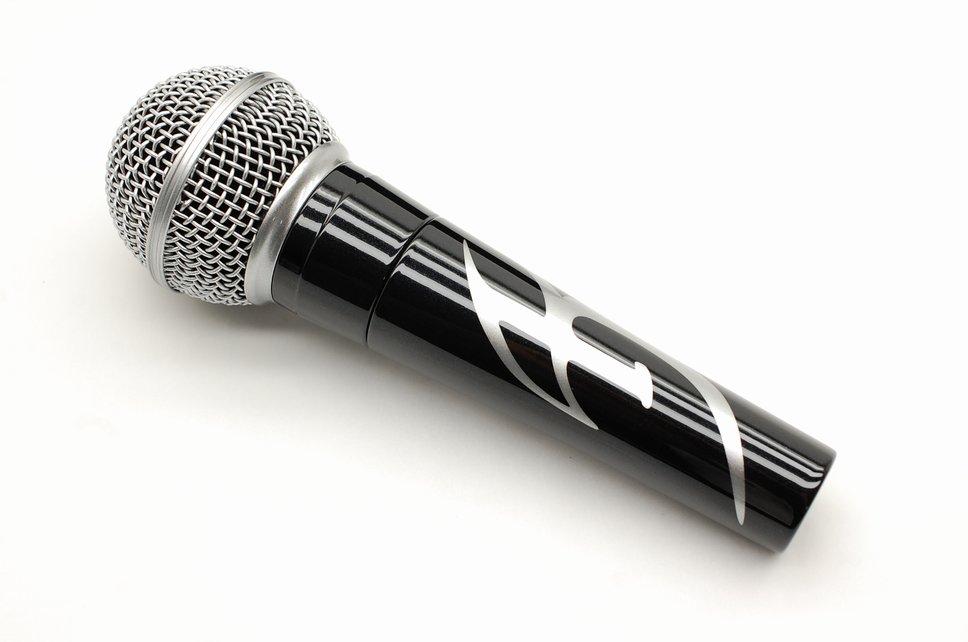 mic136